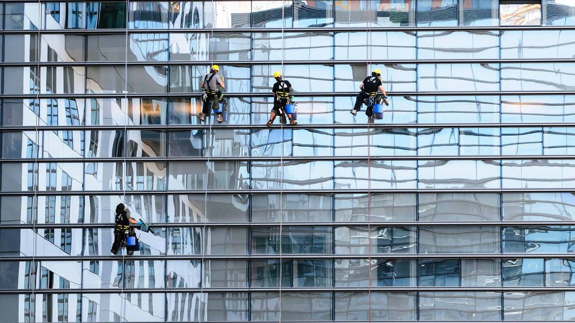 Come pulire finestre di alluminio anodizzato spazio4 for Finestre in alluminio anodizzato