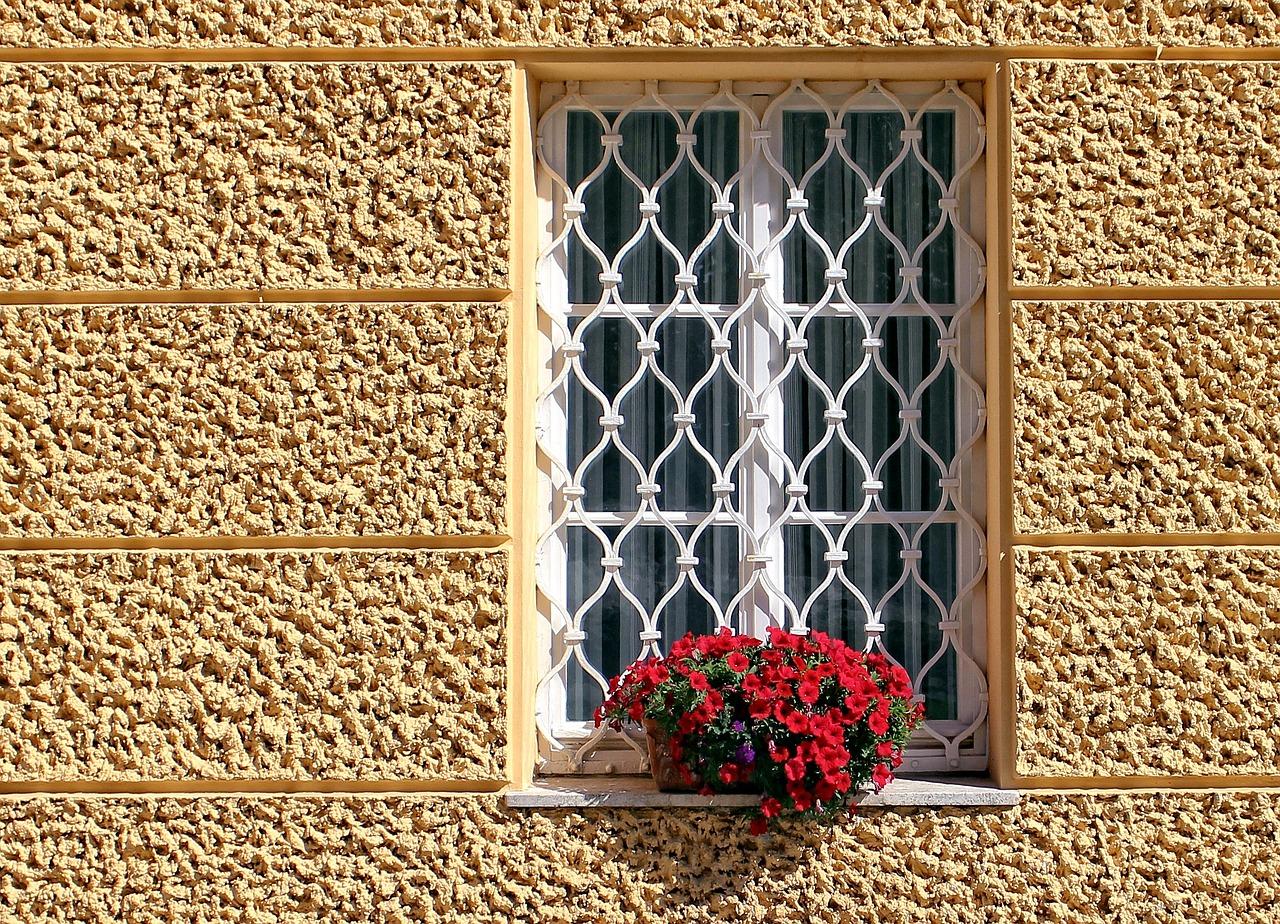 Le grate in ferro sono sicure spazio 4 serramenti - Inferriate mobili per finestre ...