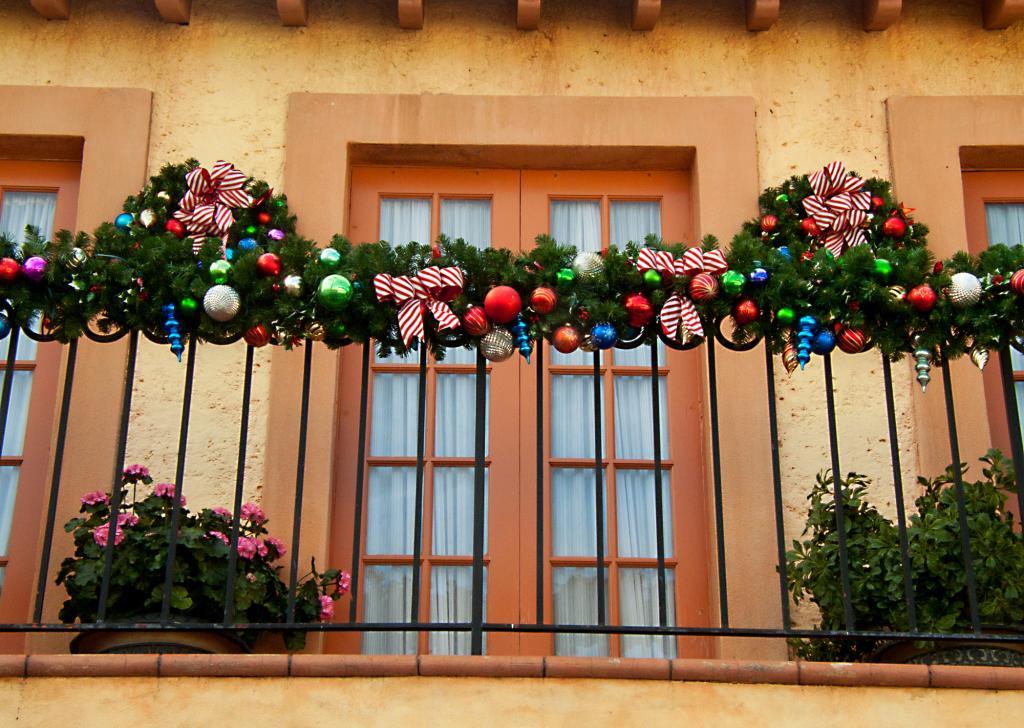 5 idee per addobbare ringhiere per natale spazio 4 - Decorazioni natalizie fai da te per esterno ...