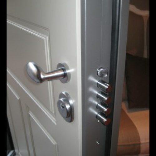 porte-blindate-armoured-doors-puertas-blindadas1-300x300
