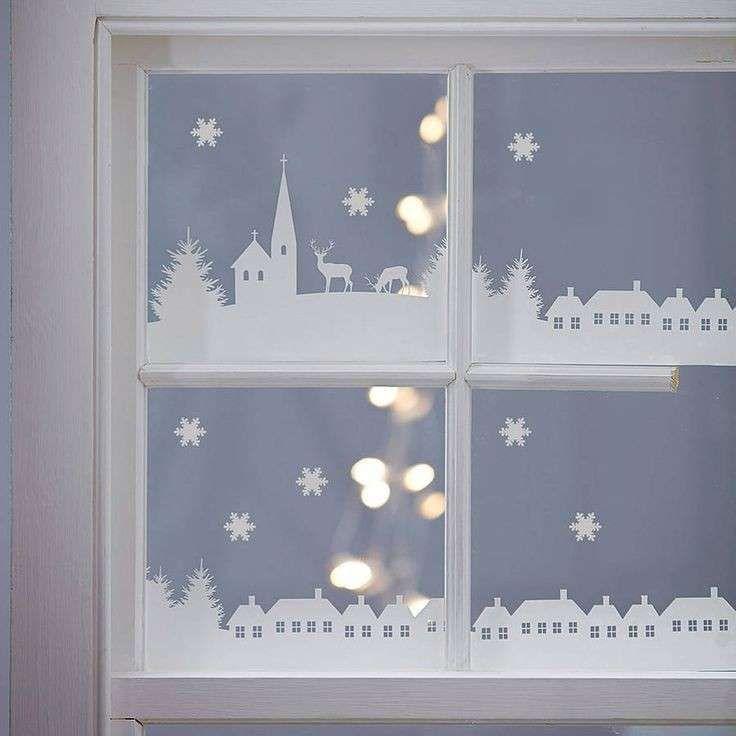 Idee per decorare finestre per natale spazio 4 serramenti - Decorazioni natalizie per porte e finestre ...