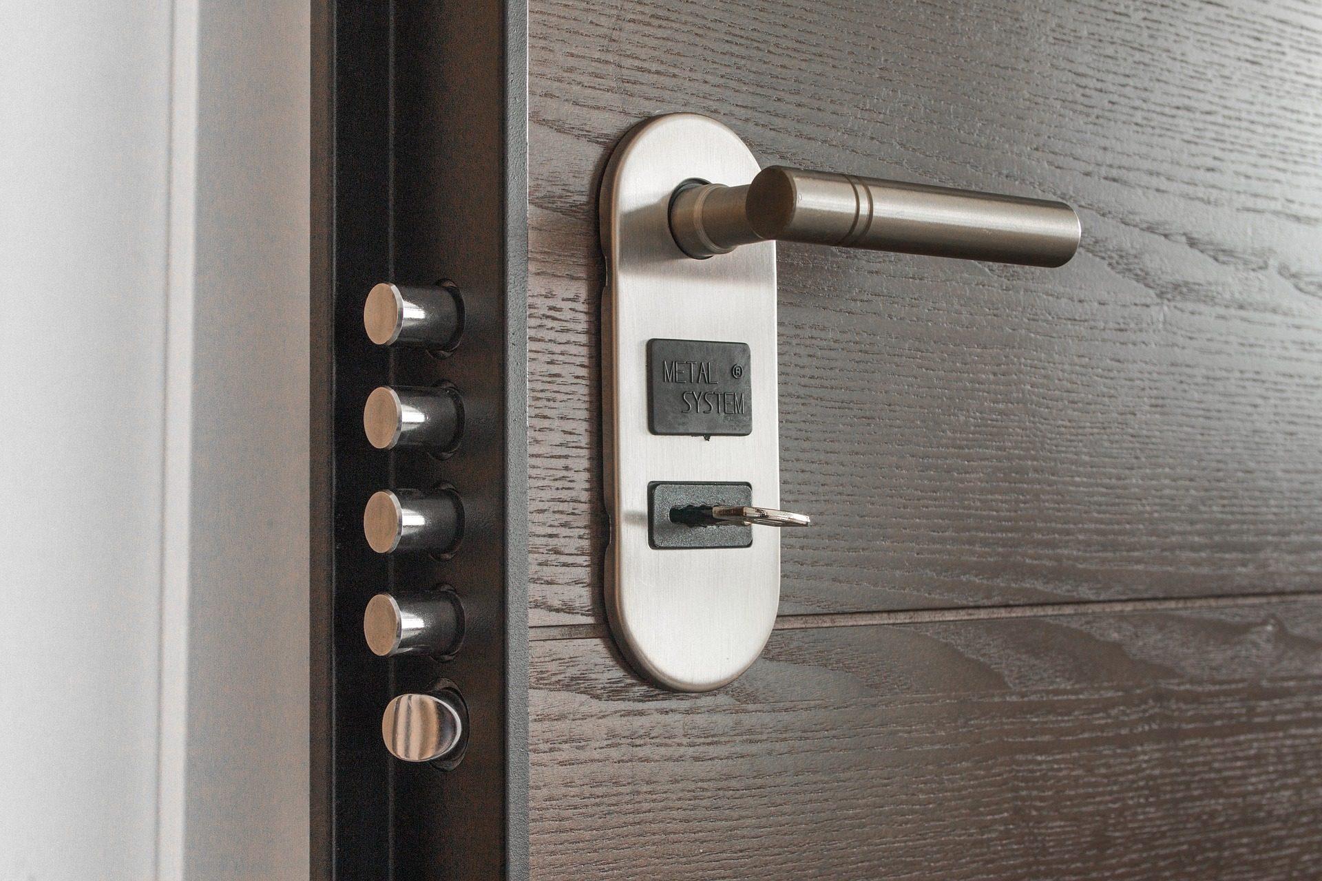5 Consigli per scegliere la porta blindata